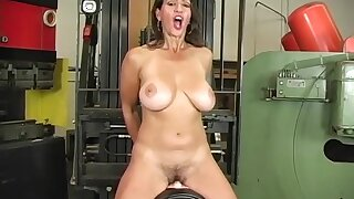 Busty Mature Milf Persia Monir Dirty Talking Increased by Riding The Sybian To A Shaking Advance creep